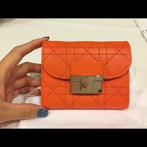 Diorling wallet